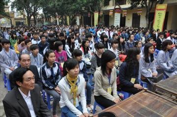 Chùa Bằng tổ chức lễ cầu nguyện và tư vấn mùa thi năm 2013