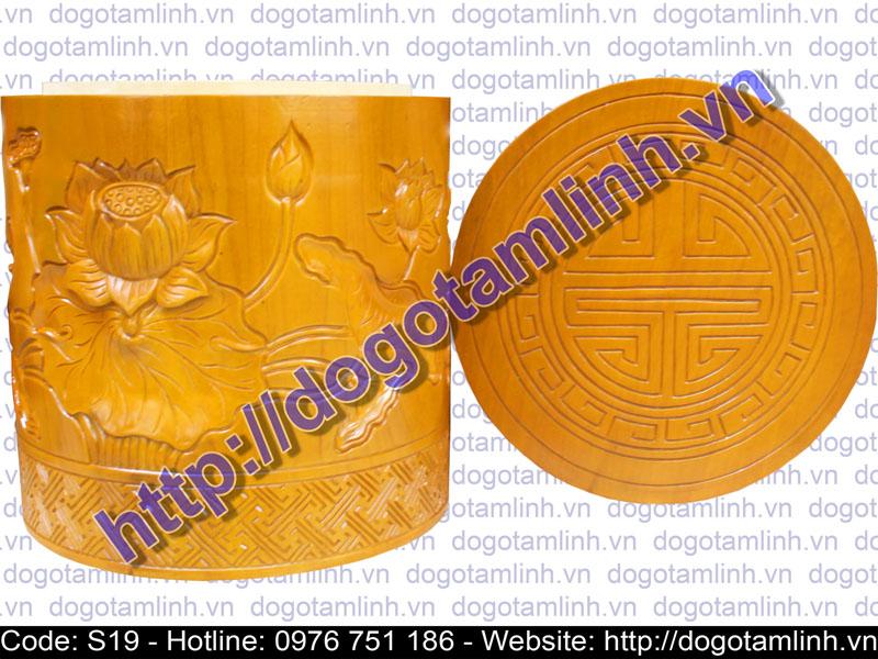 Lọ tro tròn gỗ Vàng Tâm trạm Sen
