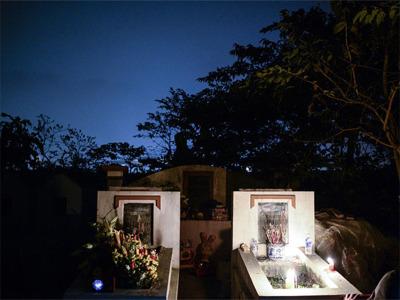 Huyệt mộ mới là nơi an nghỉ cho người đã khuất